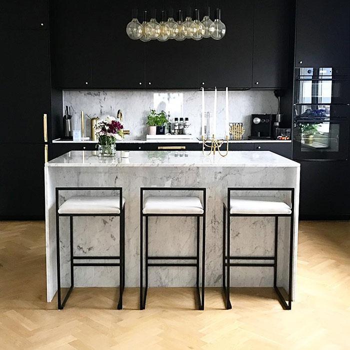 Freja barstol - chaise de bar - barstuhl - bar chair - tabouret - light grey sammet - velvet - fløyel - velours - velvet