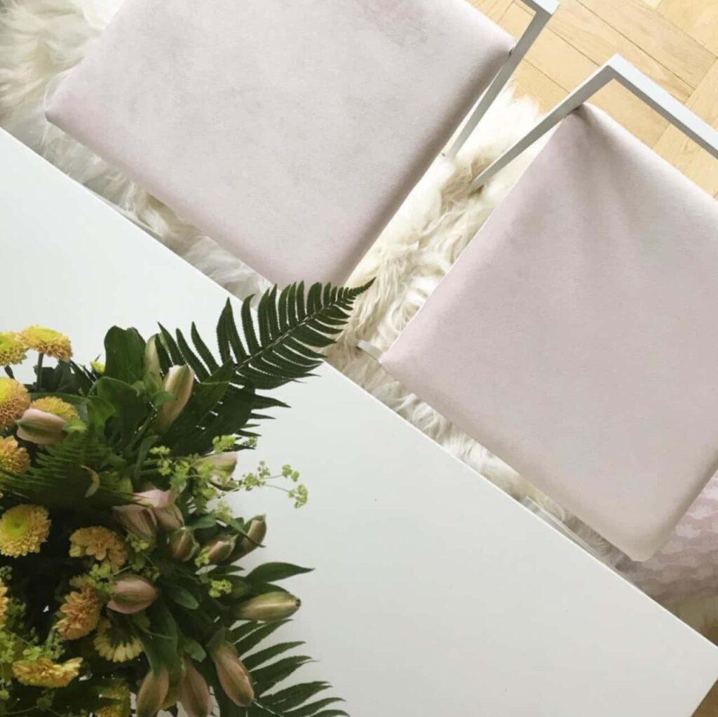 Freja barstol - chaise de bar - barstuhl - bar chair - tabouret - light pink sammet - velvet - fløyel - velours - velvet