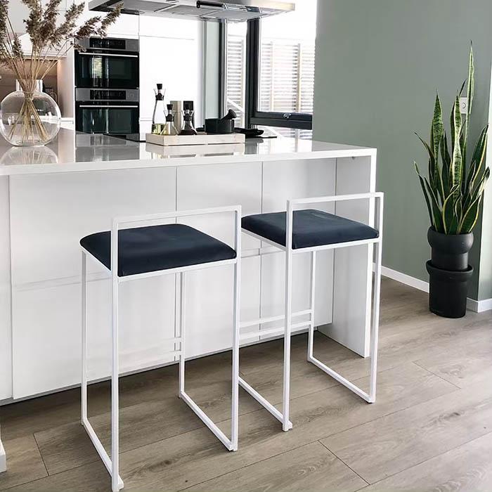 Freja barstol - chaise de bar - barstuhl - bar chair - tabouret - midnight blue sammet - velvet - fløyel - velours - velvet