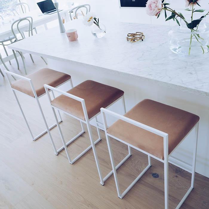 Freja barstol - chaise de bar - barstuhl - bar chair - tabouret - dirty pink sammet - velvet - fløyel - velours - velvet