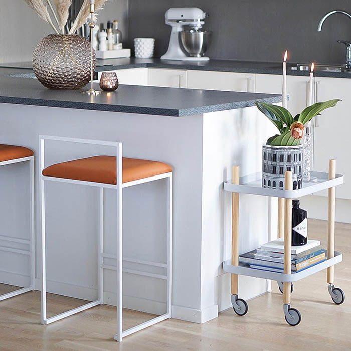 Cognac - LÄDER - SVART Freja barstol - chaise de bar - barstuhl - bar chair - tabouret - cognac - leather - läder - lär - leder
